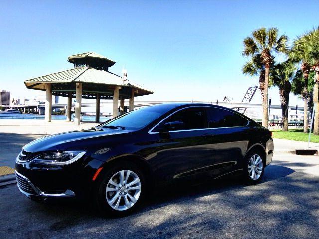2015 Chrysler 200 Limited www.dchchryslerjeepdodgeoftemecula.com