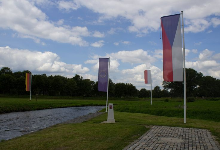25 Bizarre International Borders That Say A Lot About Politics Czech Republic, Germany and Poland meet at a forked river