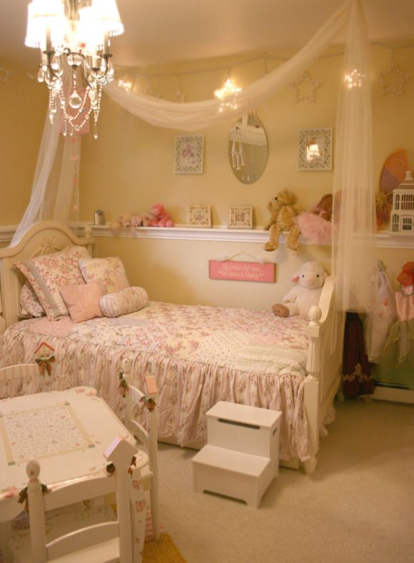 54 best disney images on pinterest disney cruise plan disney magic and disney stuff - Captivating bedroom decorating ideas using various bed dressing ideas ...