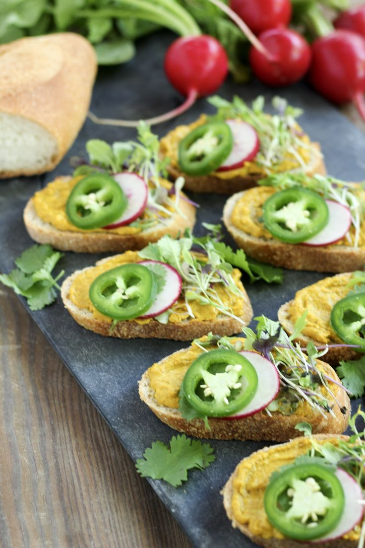 Sweet Curry Hummus Crostinis for National Hummus Day | Street Smart Nutrition