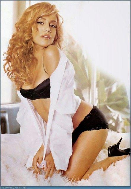 Бриттани Мерфи  в фотосессии для журнала Maxim май 2005