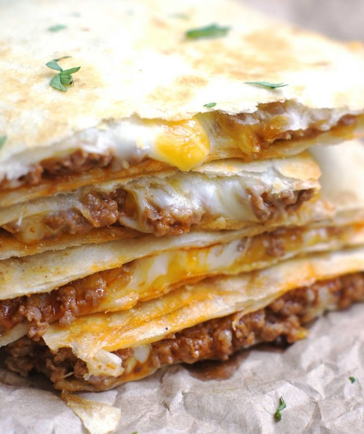 Cheesy Ground Beef Quesadillas . . . dinner in under 30 minutes. SOOOO good!