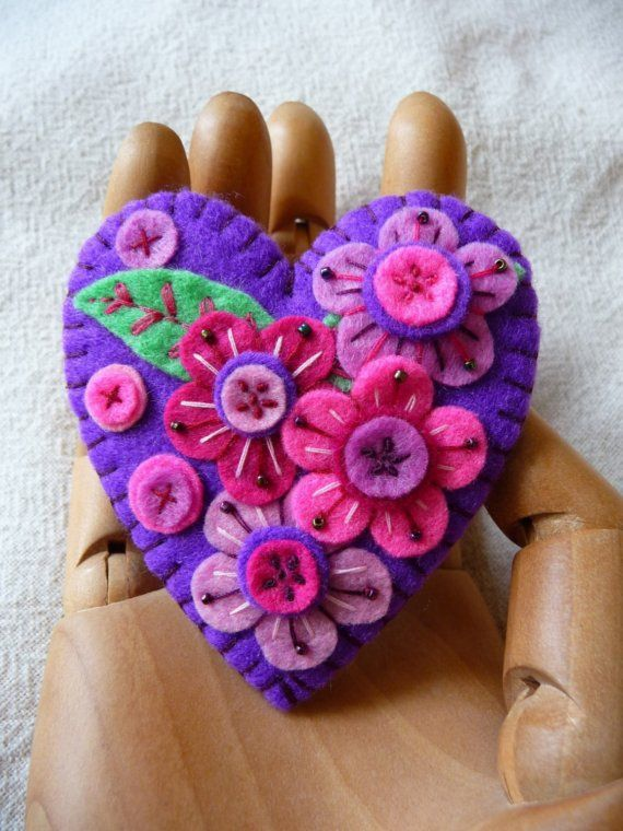 Hearts: Japanese Art, Inspiration Heart, Felt Crafts, Art Inspiration, Heart Shape, Purple Heart, Felt Brooches, Felt Heart, Felt Flowers