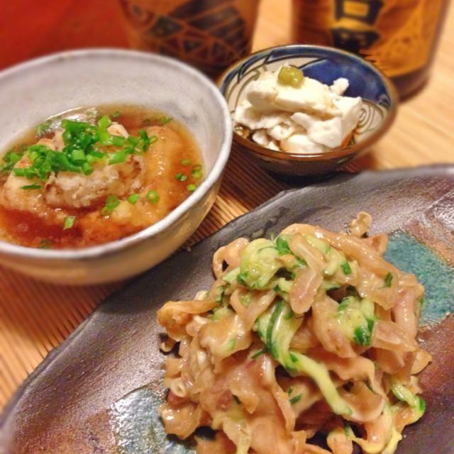 千葉県八街産の生の半立種(はんだち)を買って来ました✌️半乾燥くらいの。  それで沖縄のジーマミー豆腐(ピーナッツ豆腐)とその揚げ出しと、ピーナッツバターにしてミミガーに和えました。 寒いので泡盛お湯割りで  とても香り、味わい共に良かったです。  ジーマミー豆腐を作る時に出たおからは何かに使えそう… - 120件のもぐもぐ - 生落花生を使った沖縄おつまみ  ミミガーピーナッツ和え  手作りジーマミー豆腐  揚げ出しジーマミー豆腐 by acchi37
