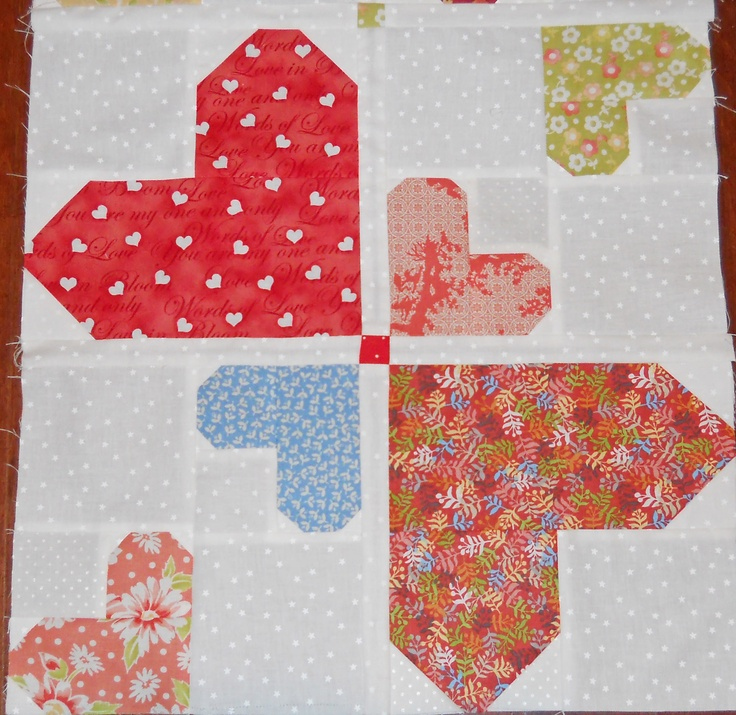57 best Quilts: Hearts images on Pinterest   Valentines ... : quilts with hearts - Adamdwight.com