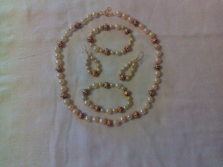 set of bracelets,earings,necklace