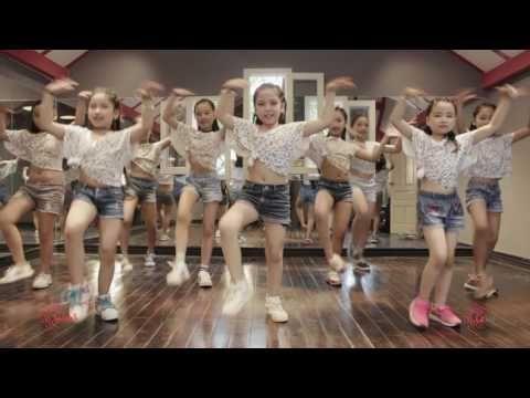 I'm The Best | Lakid | Zumba Dance Workout | Zumba Fitness Vietnam | LaZum3 - YouTube