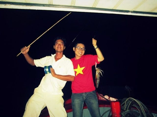 Night Squid Fishing - The Unique Experience When Vietnam Sea Travel