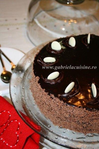 Tort de ciocolata cu ganache