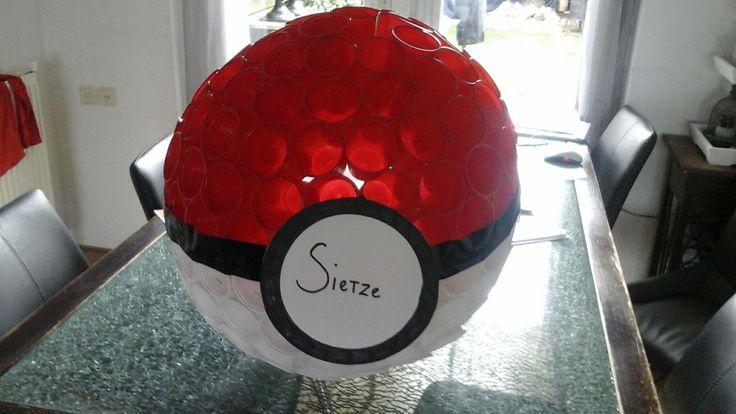 pokemon ball gemaakt van plastic bekertjes leuke sinterklaas surprise