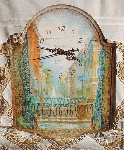 Часы настенные прекрасно подойдут для интерьера в стиле прованс,  ретро, в классическом стиле. Могут стать удивительным винтажным подарком для гостиной , спальни или кухни.