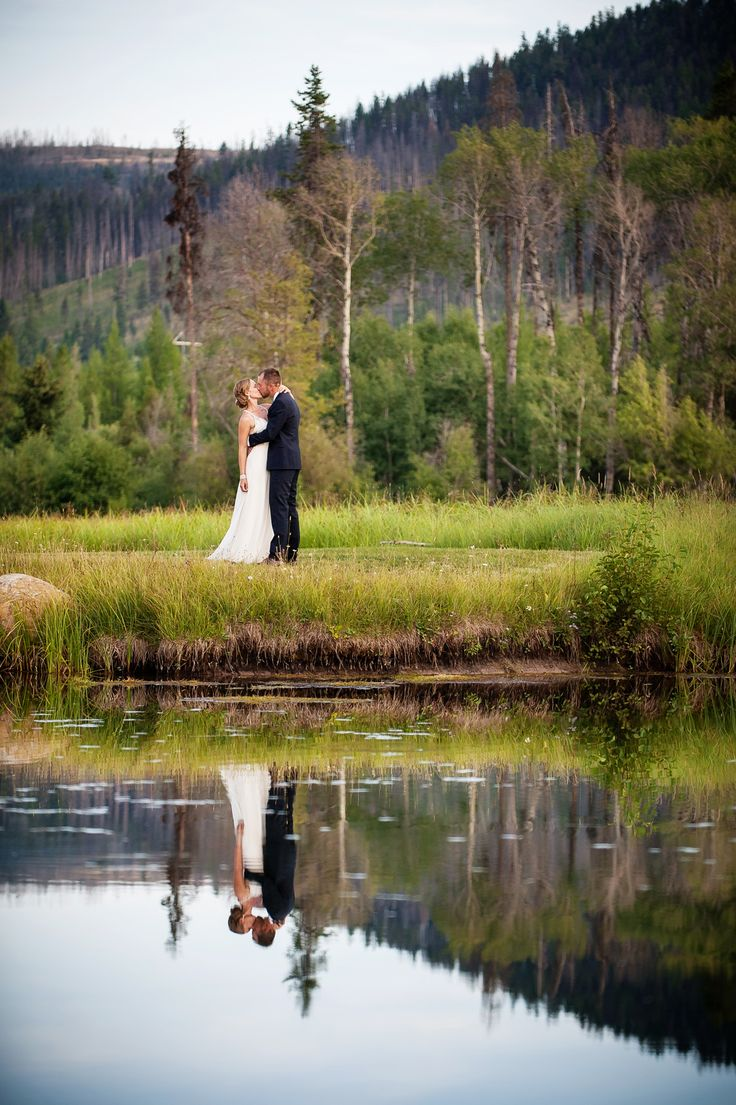 A Chic Rustic Wedding at Grey Wolf Ranch in Seeley Lake, Montana. Photos by Lauren Brown Photography