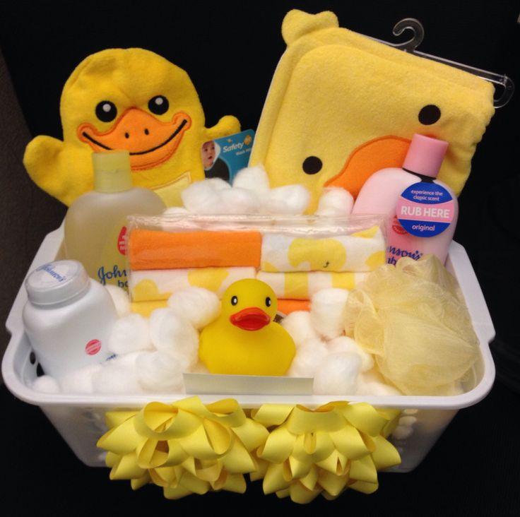 Baby shower gift basket. Love this I just want to use Johnson and Johnson.                                                                                                                                                     More