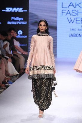 Payal Singhal at Lakmé Fashion Week Winter/Festive 2015 | Vogue India | Cat:- Fashion Shows | Author : - Vogue.in | Type:- Article | Publish Date:- 08-28-2015