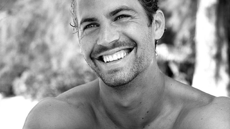 Rip #PAULWALKER we love you rest in peace , your truly gonna be missed such a sad day #BeautifulSmile #handsome