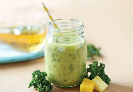 Mango, Pineapple and Kale Smoothie