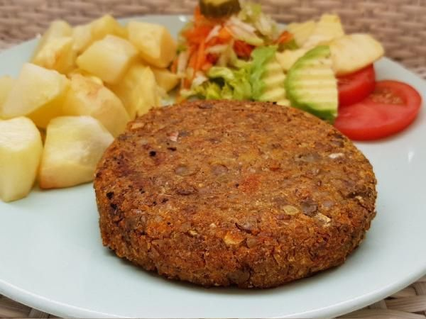 Image may contain: food Burger Recipes, Veggie Recipes, Vegetarian Recipes, Cooking Recipes, Vegan Lentil Burger, Lentil Burgers, Dinner Recipes For Kids, Healthy Dinner Recipes, Going Vegan