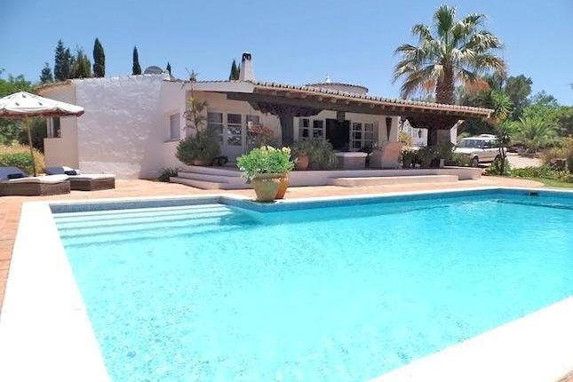 4 bed villa for sale in R. 1 De Maio, 8500 Portimão, Portugal