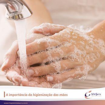 Lembre-se: lavar as mãos é um detalhe que faz toda a diferença, não apenas na sua saúde, mas também na saúde de seus entes queridos e de toda a comunidade.   Você sabia?   ▪️Em cada centímetro quadrado da sua mãos existem 1.000 bactérias em média;   ▪️A cada 4 pessoas que vão ao banheiro 3 não higienizam as mãos;   ▪️Atchim!! Cuidado com o espirro. A saliva é riquíssima em bactérias  ▪️Vírus, fungos e bactérias são os principais moradores das notas de dinheiro.