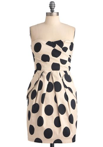 : Polka Dots Dresses, Style, Cute Dresses, Black And White, Hotspot Dresses, Polkadots, Hollywood Hotspot, The Dots, Red Pumps