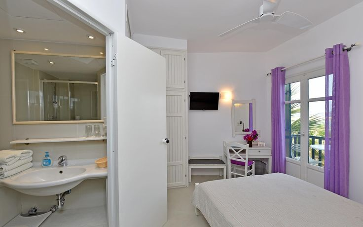 Single Room at Kalypso Hotel in #Naoussa_Village_of_Paros.