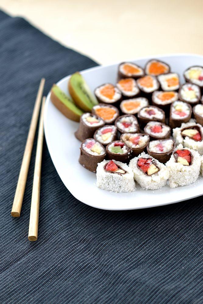 Süßes Frucht-Sushi (einfach veganisierbar) Ein dekorativer Nachtisch mit Überraschungsmoment.