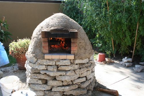 DIY pizza oven. dare i ask my hubby to do this for me?
