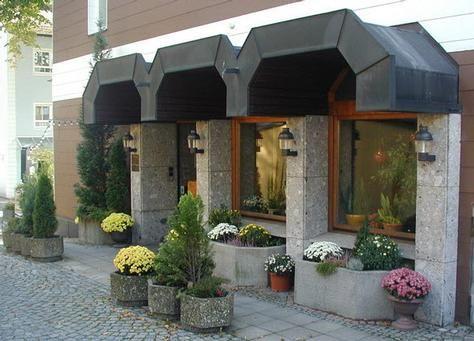 Hotel Promenade in  Bad Steben im Frankenwald,, in unmittelbarer Nähe der gepflegten Kuranlagen, des Gesundheitszentrums und der Therme Bad Steben mit den neu gestalteten Wasserwelten und der Saunalandschaft.