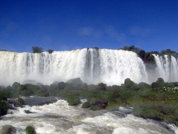 Top 10 des plus belles cascades et chutes d'eau du monde: Niagara, chutes Victoria... - L'Express