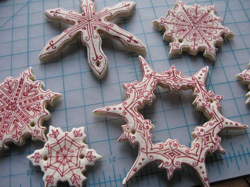 Christmas decorations for a grad school budget! DIY Salt Dough Ornaments by