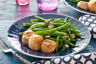 Pan-Seared Sea Scallops and Green Beans Amandine for Two recipe