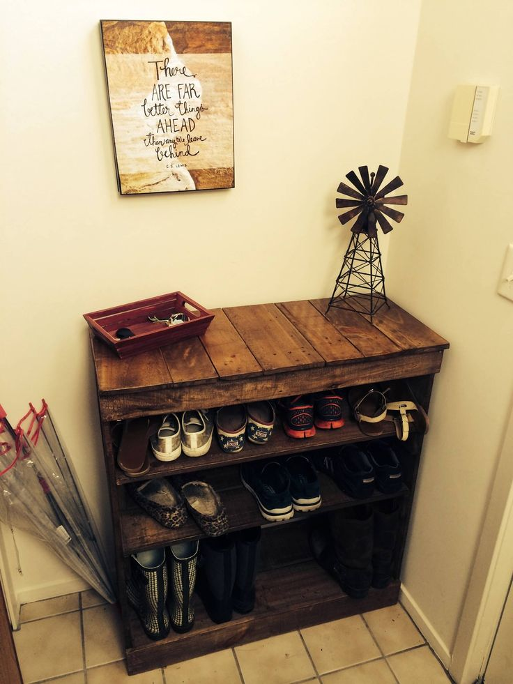 Shoe Rack out of recycled pallet wood. No plans, just Pinterest ideas blended together. Stained with Special Walnut and lacquer thinner (1 part stain, ~2.5 parts thinner)