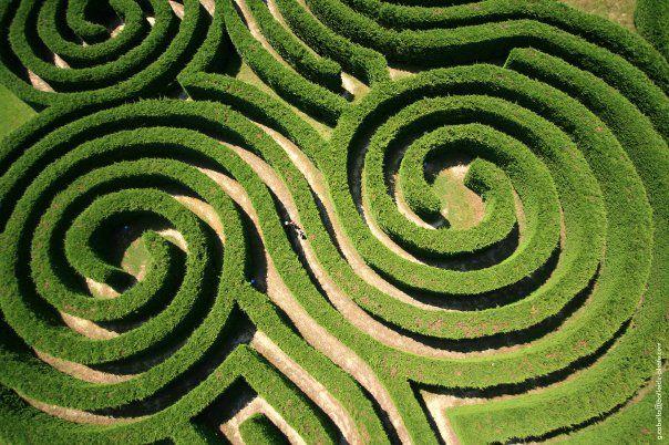 les labyrinthes de Hauterives forment un parc d'attractions de verdures sur 4 hectares.