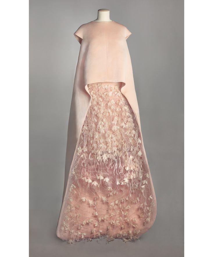 Balenciaga, 1967  Above: Balenciaga, evening separates with a tunic and skirt, August 1967. Musée Galliera Collection. © Photograph all rights reserved / Mairie de Paris