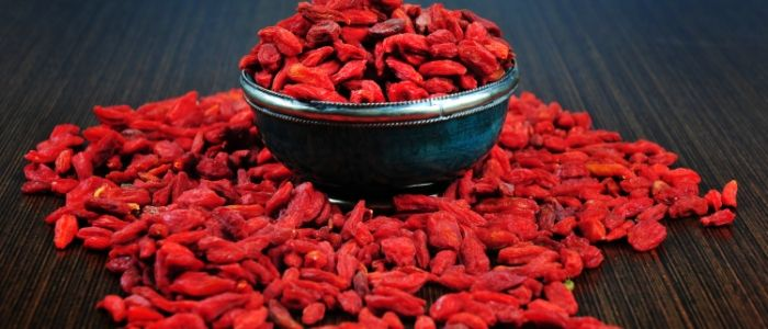Go the extra mile! A study showed that Goji juice improved athletic performance, increased energy, and less fatigue to study participants.: Superfood Easiest, Memories Superfood, Help Healthy, Goji Distinct, Dr. Oz Diet, Berries Memories, Health Benefits, Berries Delicious, Goji Berries