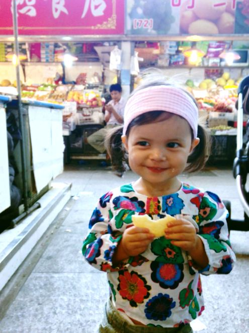 The smells are exotic, the streets are crowded and the food might be strange, but these are some of the great joys of travel with kids. Don't miss our destination guide to Shanghai on our website now at http://www.suitcasesandstrollers.com/interviews/view/china-with-kids-shanghai-insider?l=all #GoogleUs #suitcasesandstrollers #travel #travelwithkids #familytravel #familytraveltips #traveltips #yum #delish #foodcritic #Shanghai #China #Chinesefood @tatemh