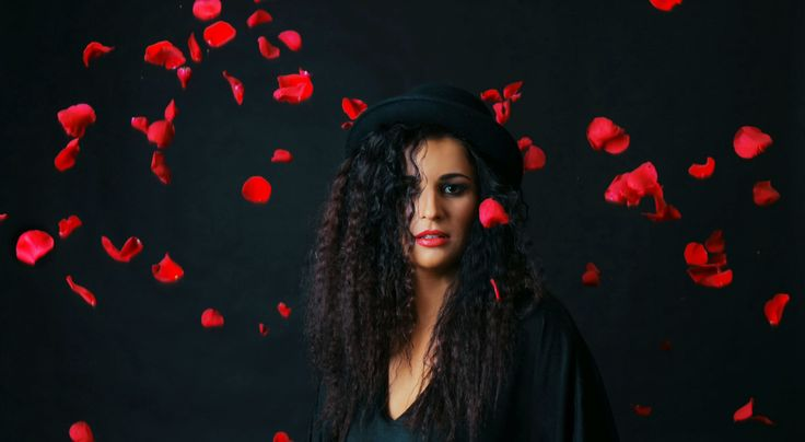 #hatsnroses #megitza photo by @anyawphotography fringe tunic >>> hatlove