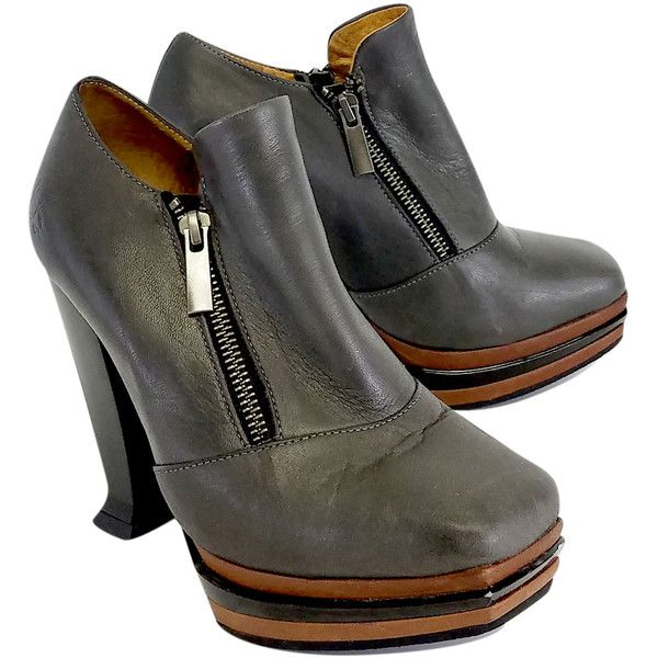 Pre-owned John Fluevog Grey Leather Platform Shooties ($125) ❤ liked on Polyvore featuring shoes, boots, ankle booties, gray ankle boots, gray leather boots, grey leather boots, leather boots and short boots