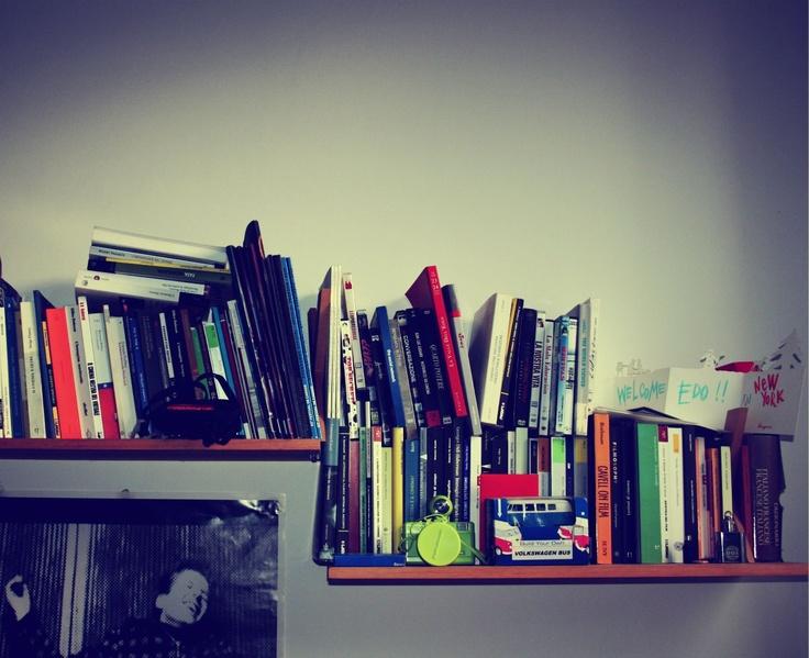 Lo scaffale romano del critico cinematografico e dottorando Edoardo Becattini: pochi libri molto s(t)ud(i)ati