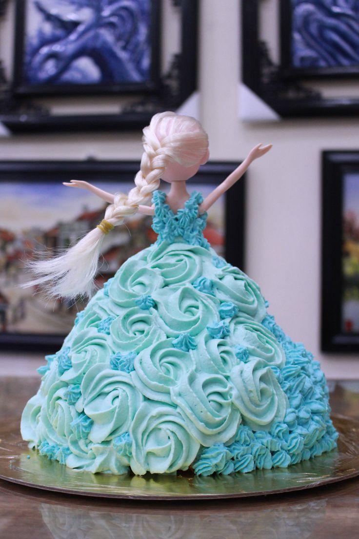 Queen Elsa birthday cake idea for daughter