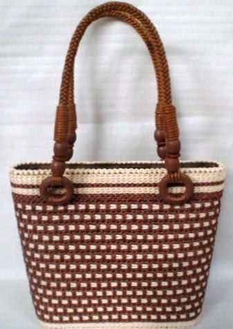 This is so beautiful!  Brown checkered Tote