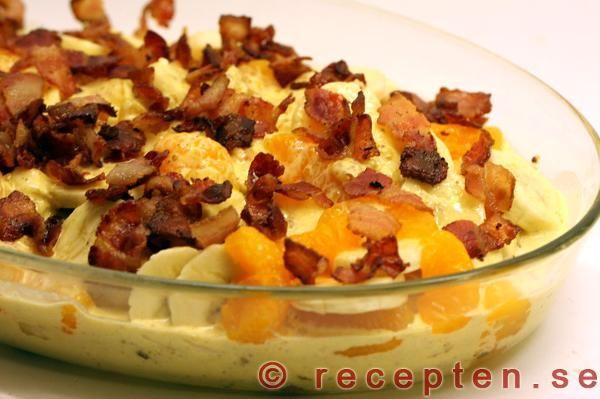 Recept på Fläskfilé med curry, bacon och banan! En jättegod festrätt som är enkel att göra. Bilder steg för steg!