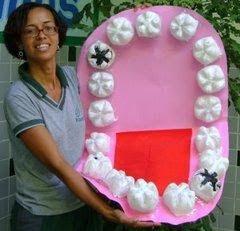 Dentes e bocão feito com garrafa pet | Pra Gente Miúda