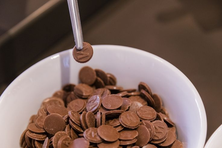 "H… ""μαγεία"" των παγωτών στο Magic Pleasure Store βρίσκεται στις λεπτομέρειες, όπως στο σοκολατάκι με το Μ..."
