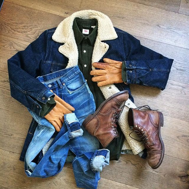 🎄 #levis #levisvintageclothing #lvc #heritage #vintage #madeinusa  #denimdudes #denimhead #denimstyle #selvedgeforum #selvedge #selvage #selvedgedenim #fashion #mensfashion #indigo #drydenim #bootporn #usmade #workwear #westernwear #truecool  #redwingheritage #redwingstyle #redwingboots #vintagedenim #ruggedstyle