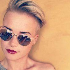 Mandy Kay-Bart-Kurze Frisuren – 1    Mandy Kay-Bart-Kurze Frisuren – 2    Mandy Kay-Bart-Kurze Frisuren – 3    Mandy Kay-Bart-Kurze Frisuren – 4    Mandy Kay-Bart-Kurze Frisuren – 6    Mandy Kay-Bart-Kurze Frisuren – 7    Mandy Kay-Bart-Kurze-Frisuren – 8    Mandy Kay-Bart-Kurze Frisuren –... - #BART, #Frau, #Frauen, #Friseur, #Frisur, #Frisuren, #Haar, #HaarDesign, #Haare, #Haaren, #Haarschnitt, #Haarschnitte, #Kurz, #Mandy