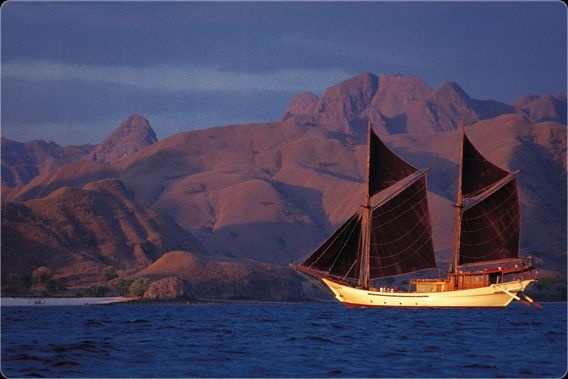 The Silolona , Traditional Sulawesi Phinisi Sail Boat.