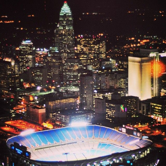 Perfect view of Charlotte North Carolina with the bank of America stadium!!