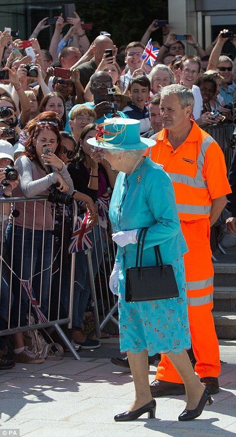 The Queen was greeted by a huge cheering crowd  ~~ Reading Railway Station ~~ July 17, 2014