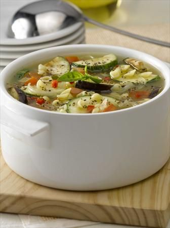 ¿Buscando una #cacerola para hoy? ¡Aquí está! #sopa #hortalizas #caracolitos #Receta #NestléContigo